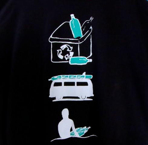 Camiseta Feeling Cusca  preta tam G .