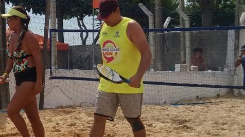 Wrap super natural é sucesso nas quadras de Beach Tennis em Florianópolis