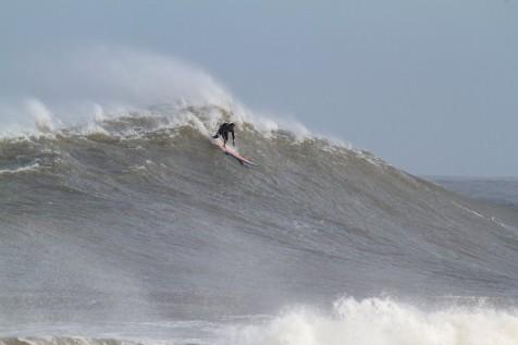 Mormaii Big Wave reabre com sinal amarelo no Cardoso (SC)