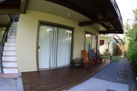 Casa na Silveira, 2 Dormitórios, Internet WIFI, e diarista a 250MTS da Praia.