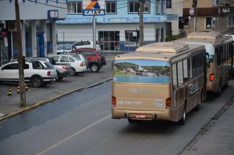 Preço da gasolina e falta de abastecimento afetam transporte público de Garopaba