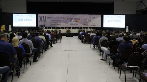 O Prefeito Sergio Cunha participa do XV Congresso Catarinense de Municípios em Joinville
