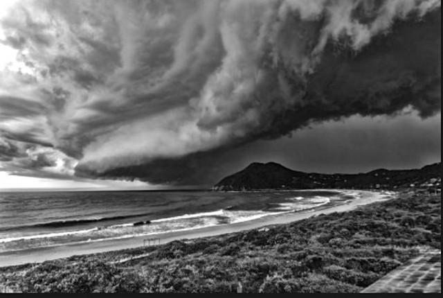Storm assustador chegando.
