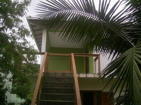 Casa na Silveira, 2 dormitórios internet WiFi,250mts da praia